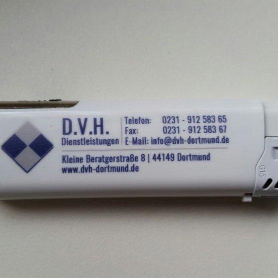 Abgebildet ist ein Screenshot des Referenz-Feuerzeugs D.V.H.